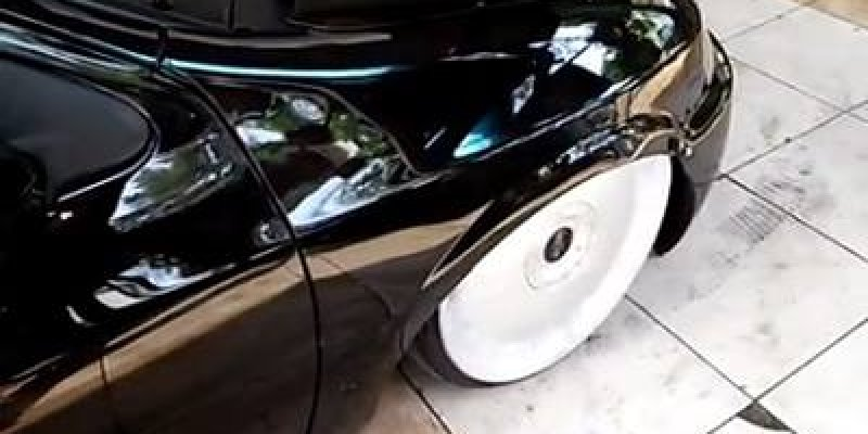 Carro com rodas esportivas rebaixadas, quem curti vai amar!
