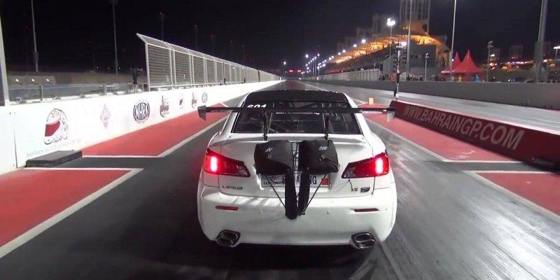 Carro sai voando literalmente em um racha, é assustador a leveza deste carro!