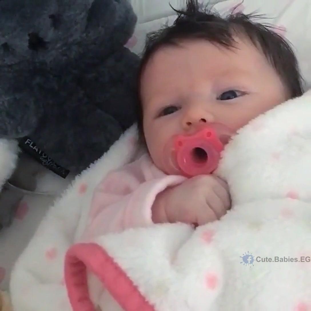 Bebê Sorrindo Para Mamãe Momento Mais Que Especial Confira