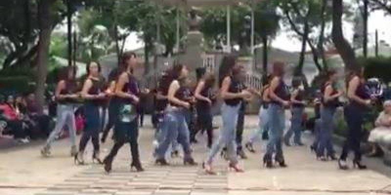 Essa apresentação é top! Veja só estas mulheres dançando Kizomba no México!!!