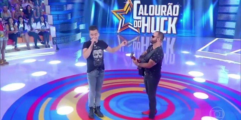 Yago e Santiago no Programa Caldeirão do Huck, eles imitam muitos cantores!