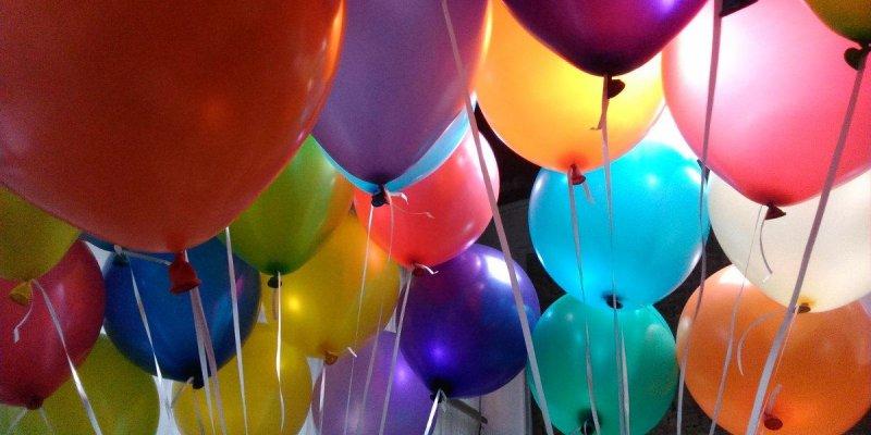 Feliz Aniversario para amiga de 15 anos, esta é uma data muito importante!