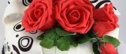 Parabéns pra você! Que Deus te abençoe hoje e sempre, feliz aniversário!!!