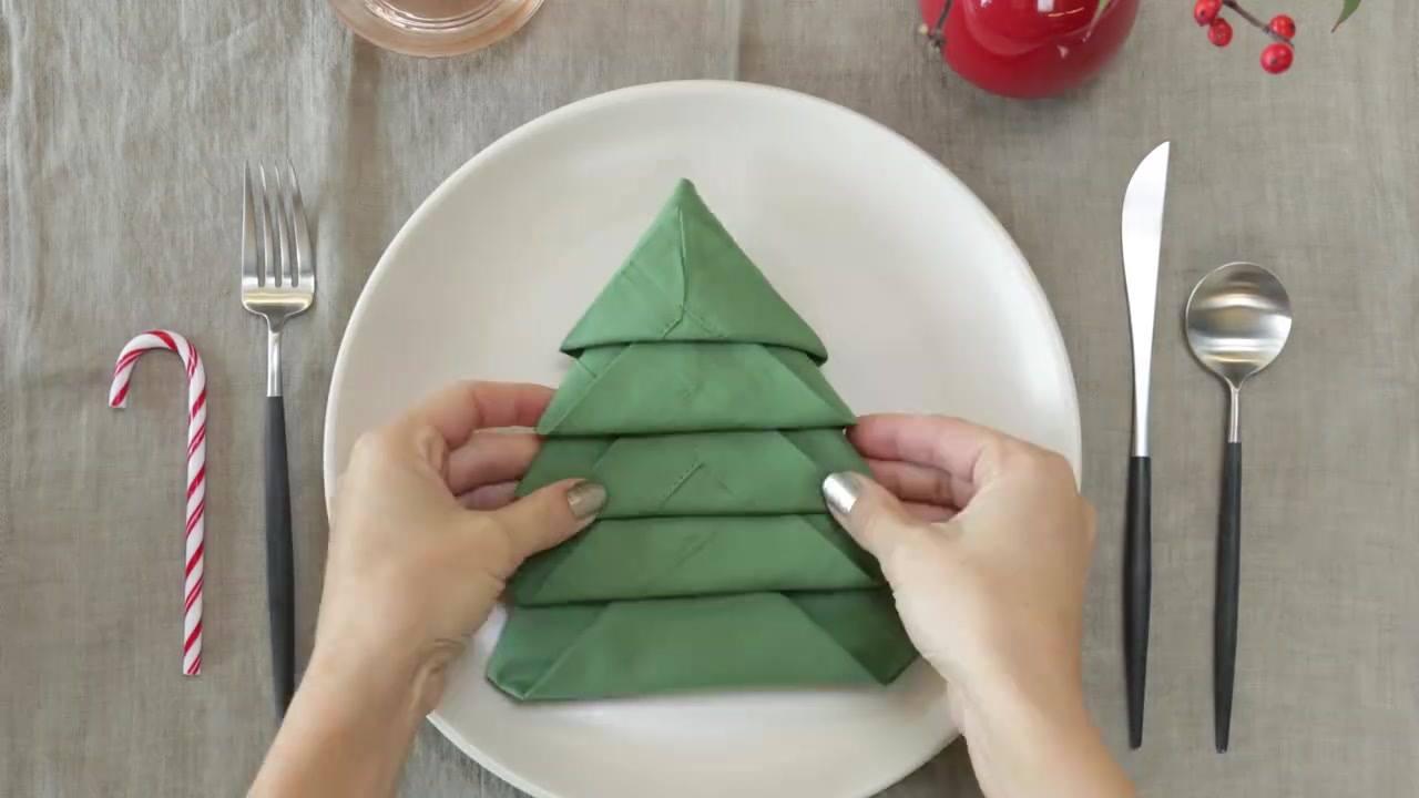 Resultado de imagem para dobras de guardanapos de natal