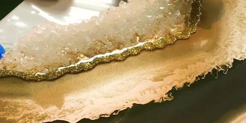 Obras de artes que imitam o interior de cristais, você vai adorar!