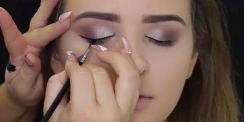 Vídeo com várias inspirações de maquiagem para você fazer em casa!!!