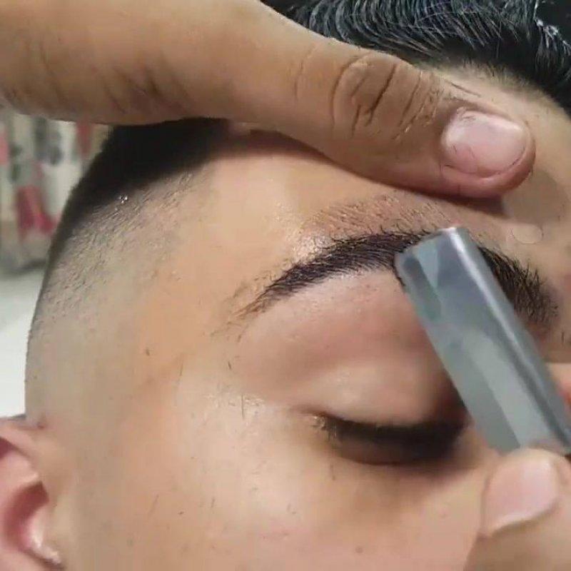 Preferência Vídeo mostrando sobrancelha masculina feita com navalha  BE82