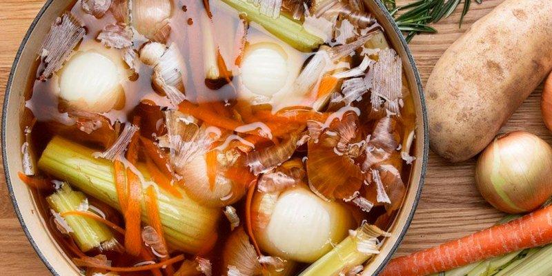 Aprenda a aproveitar as sobras de vegetais como cascas e extremidades!