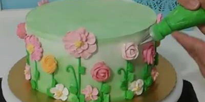 Bolo Jardim, uma decoração linda para seu bolo de aniversario!